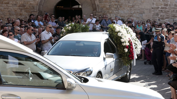 Rubí despide a los dos vecinos que perdieron la vida en Barcelona