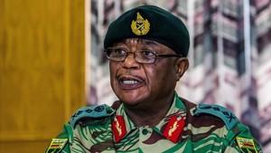 El jefe del Ejército de Zimbabue, el general Constantino Chiwenga.