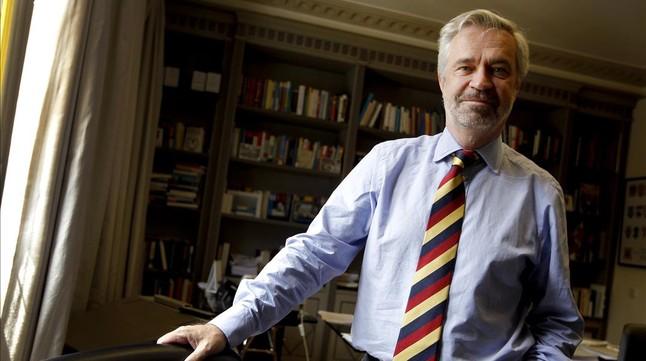 El historiador Charles Powell posa para EL PERIÓDICO para una entrevista en el 2011.