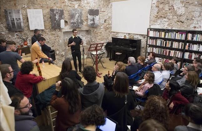 Homenaje a Francisco Casavella en la librería Calders con motivo de la reedición de 'El día del Watusi'.