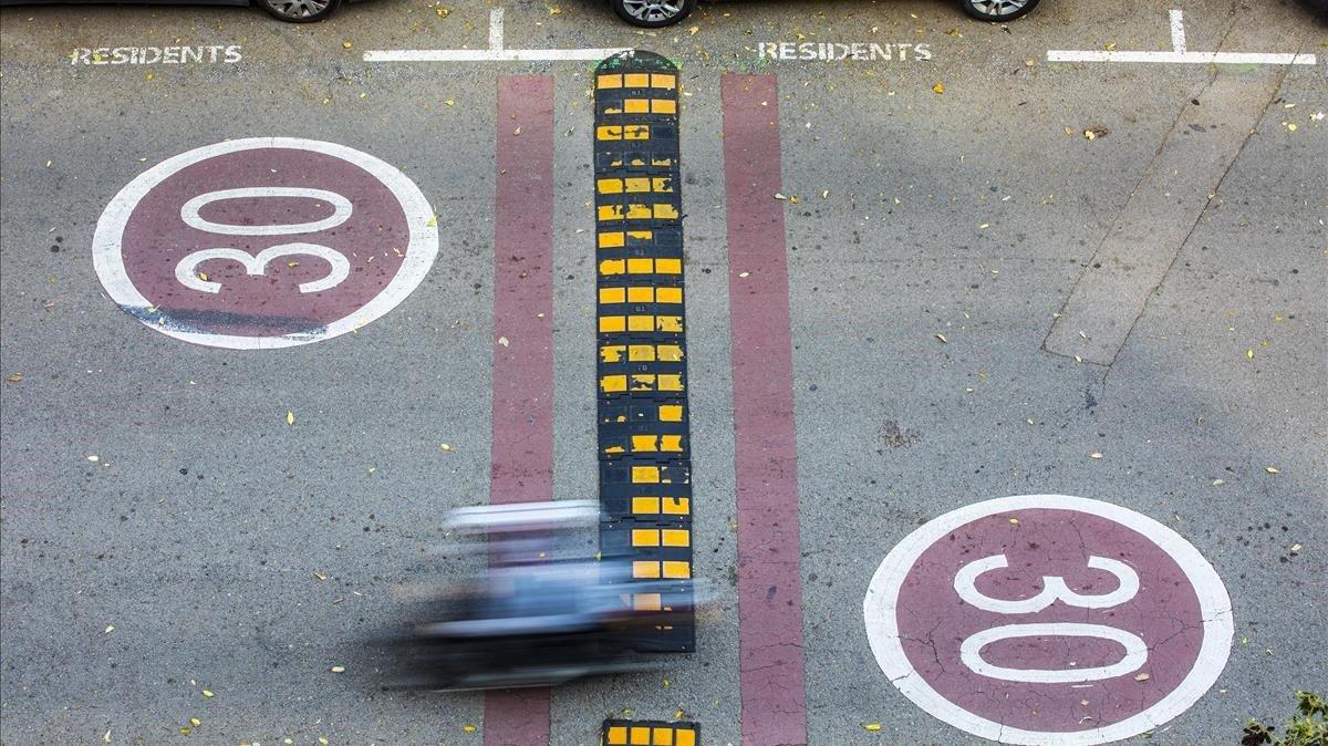 Imagen de archivo del paseo de Salvat Pappasseit, una de las zonas 30 de Barcelona