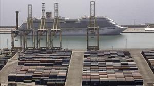 Imagen de puerto de Barcelona.