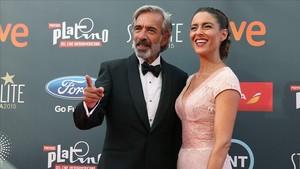 Imanol Arias e Irene Mritxell, en la gala de los Premios Platino del Cine Iberoamericano.