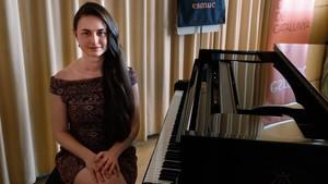 Laura Farré,pianista ymatemática, en al Escola Superior deMúsica de Catalunya.