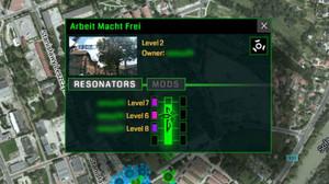 El joc Ingress permet al jugador destruir emplaçaments dun món real simulat.