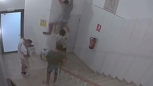 Imagen del robo captada por una cámara.