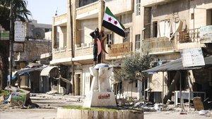 Las fuerzas rebeldes, apoyadas por Ankara, logran retomar la estratégica localidad deSaraqeb, en la provincia siria de Idlib, este jueves. Pocas horas después, en la misma zona, al menos tres decenas de soldados turcos han muerto en un bombardeo aéreo atribuido a la aviación rusao a la de su aliado, elrégimen de Bashar el Asad.