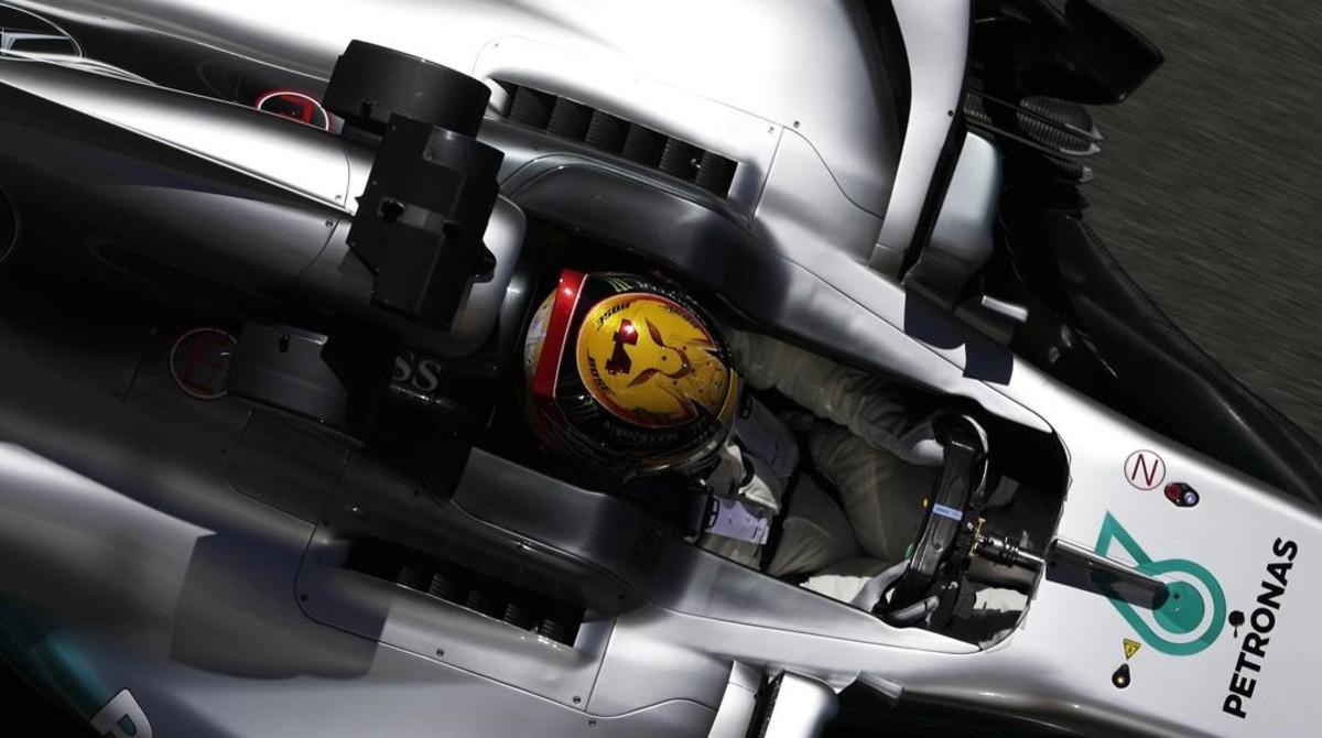 Lewis Hamilton (Mercedes), en los ensayos de hoy en Montmeló.