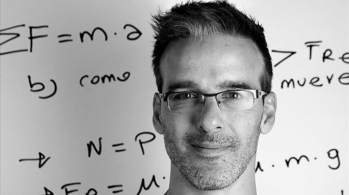 El profesor David Calle.