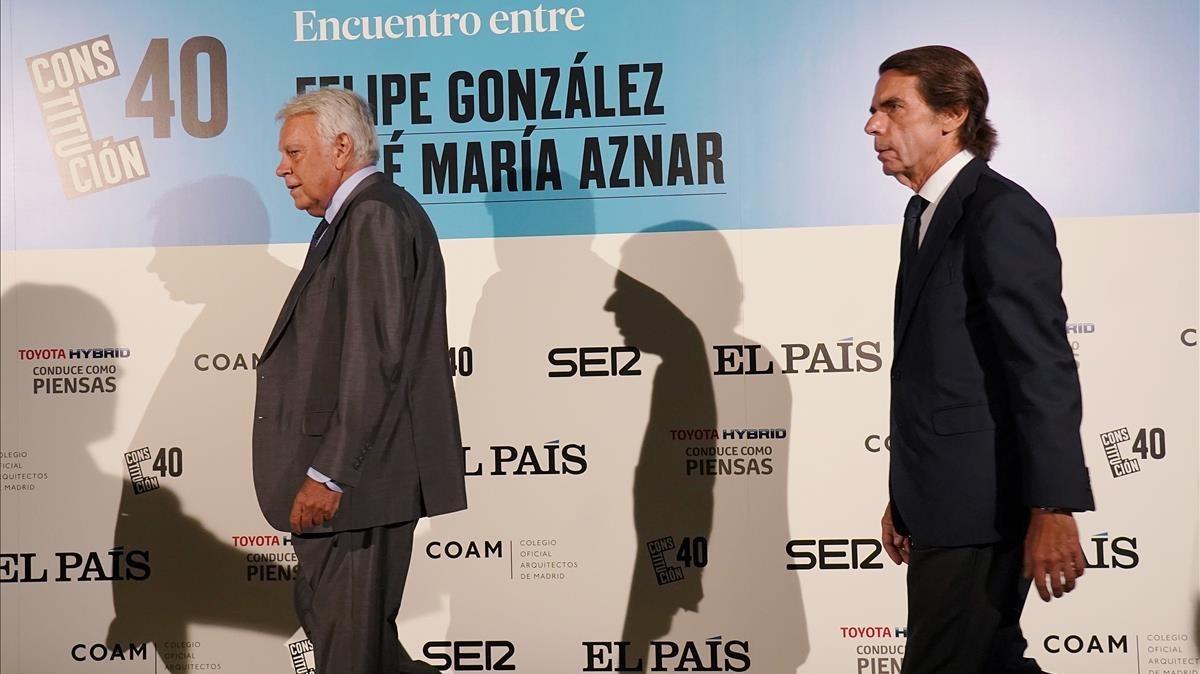 Los expresidentes Felipe Gonzalez y Jose Maria Aznar durante el debate.