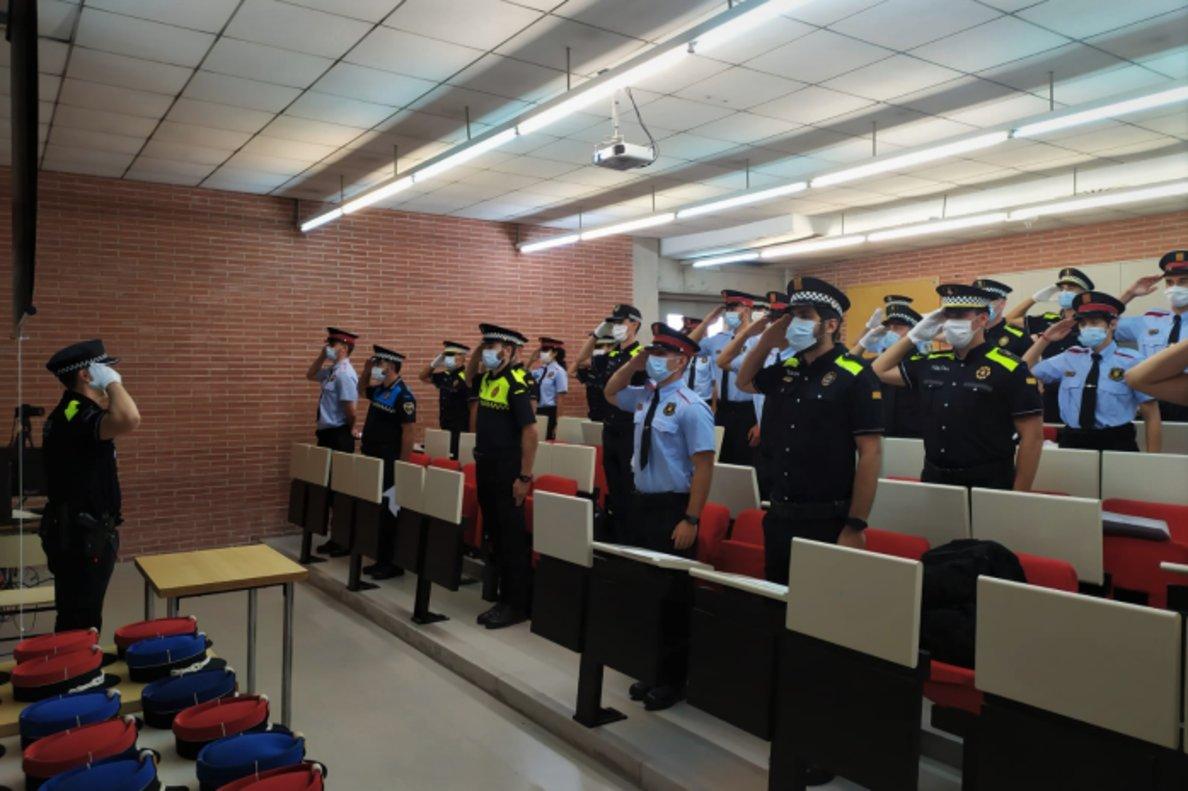 Los 38 nuevos agentes de la Guardia Urbana de L'Hospitalet de Llobregat.