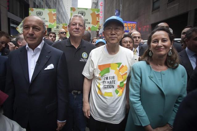 El ministro de Exteriores francés, Laurent Fabius, el exviceprersidente AlGore, el secretario general de la ONU, Ban Ki-moon, la socialista francesa Segolene Royal, en la manifestación de Nueva York.