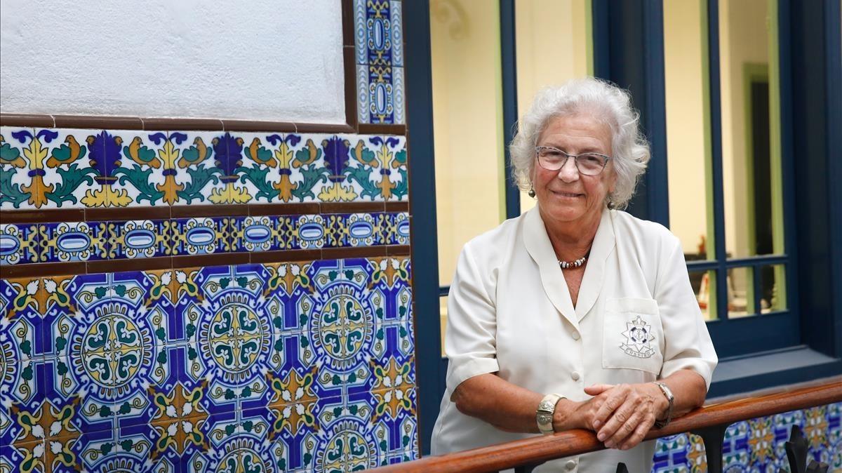 Maria Assumpció Vilà, en el balcón interior de la sede de la Sindicatura de Greuges de Barcelona