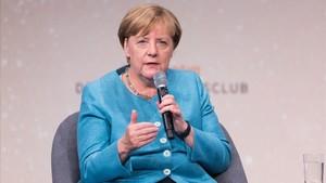 Merkel interviene en un coloquio sobre el futuro de Occidente, en Berlín, el 23 de agosto.