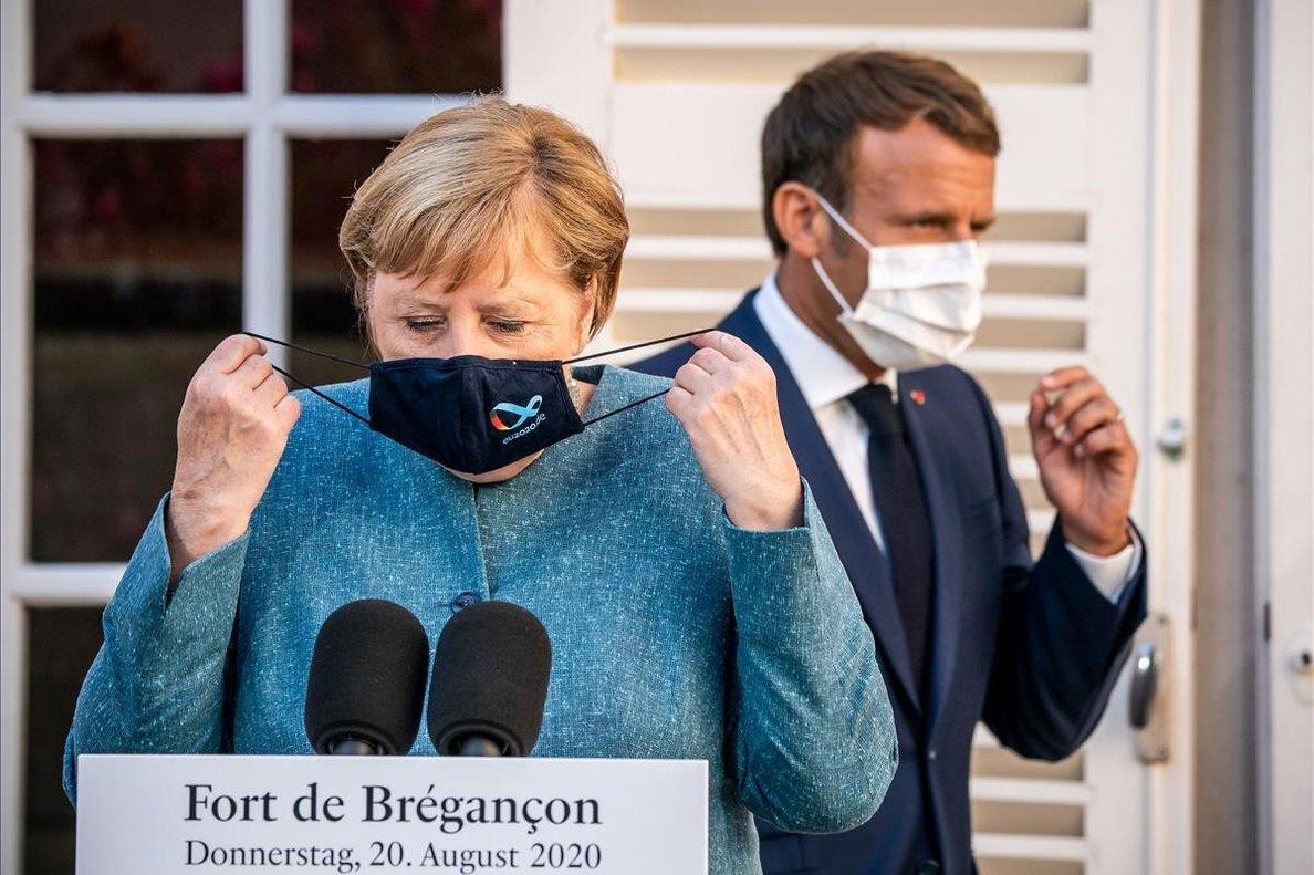 Merkel y Macron, antes de la comparecencia de prensa en Brégançon.
