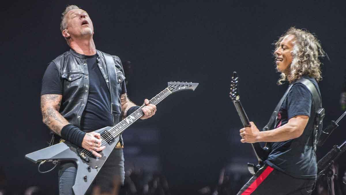 Metallica interpreta a Peret en el Palau Sant Jordi.