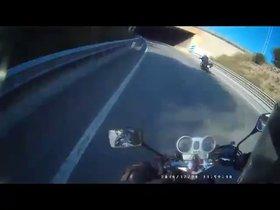 Vídeo   Identificado un motorista temerario gracias a la colaboración ciudadana