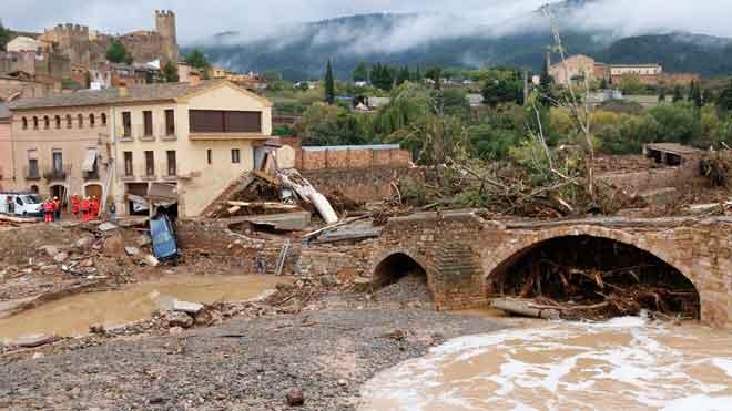 Un muerto, cuatro desaparecidos y tres hospitalizados por el fuerte temporal en Catalunya