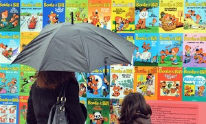 Mural con portadas de cómics en el Festival de Angulema.
