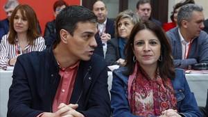 Pedro Sánchez, este sábado en Aranjuez junto a la vicesecretaria general del PSOE, Adriana Lastra.