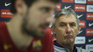 Pesic y Tomic en un momento de la conferencia de prensa del Barça