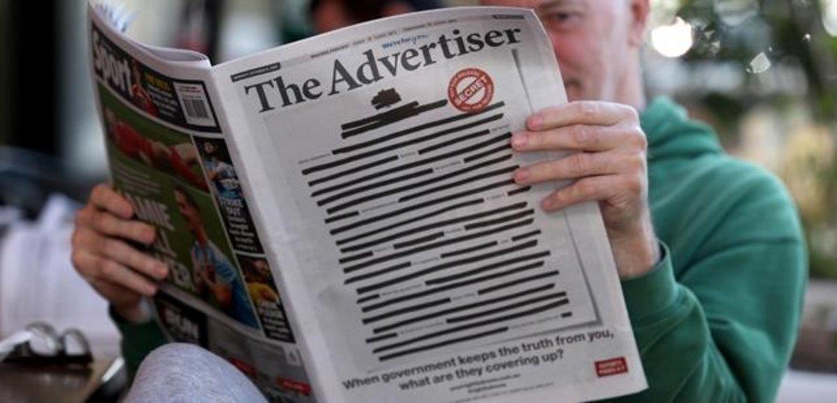 Portada de 'The Advertiser' ilegible en señal de protesta.