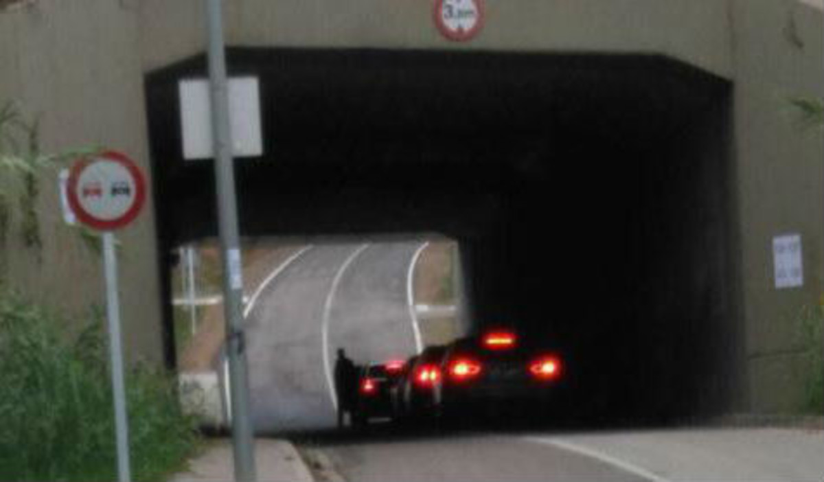 El cambio de coche con el que Puigdemont fintó a la policía para votar