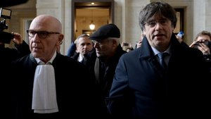 Puigdemont entrando a los juzgados de Bruselas.
