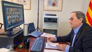 Quim Torres, en su despacho, durante la videoconferencia mantenida con Pedro Sánchez y los demás presidentes autonómicos.