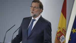 """Rajoy adverteix que l'1-O """"acabaria amb l'autogovern de Catalunya"""""""