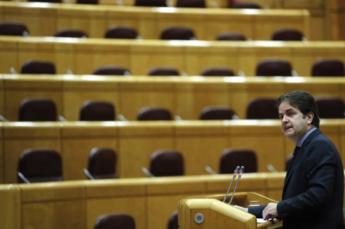 Roberto Bermúdez de Castro da cuenta del 155 en el Senado, el pasado 4 de diciembre.