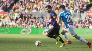 Messi rescata un derbi sense història (2-0)