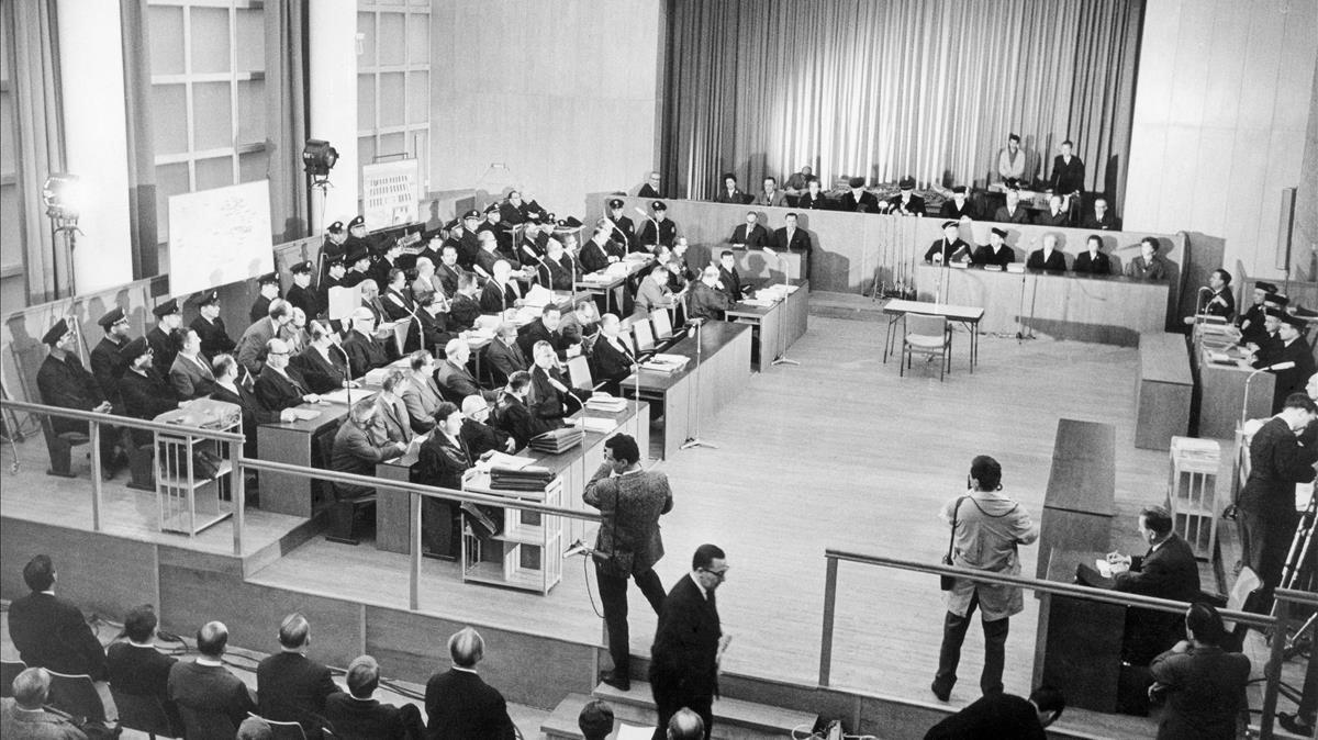 La sala durante el juicio de Auschwitz, que empezó en Fráncfort(Alemania) endiciembre de 1963.