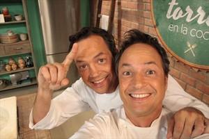 Los chefs Sergio y Javier Torres, ayer, en la presentación del programa de TVE-1 Torres en la cocina.