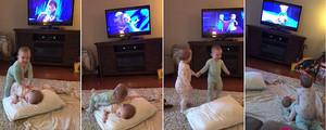 Imágenes de la escena en la que dos bebés recrean su escena favorita de 'Frozen'.