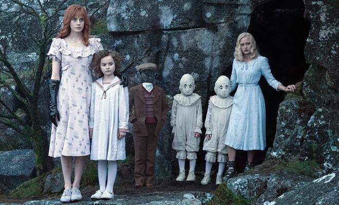 Fotograma de la nuevapelícula de Tim Burton: 'El hogar de Miss Peregrine para niños peculiares'.