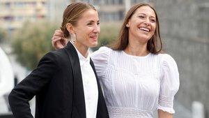 Tuva Novotny (izquierda) y Pia Tjelta, tras la presentación de 'Blind spot' en San Sebastián