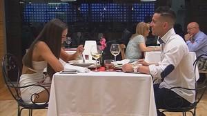 Una de las parejas participantes en First dates.