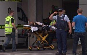Una víctima del ataque en una mosquita en Christchurch, Nueva Zelanda.