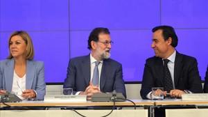 """El Govern i el PP fan pinya amb Rajoy: """"El president no dimitirà"""""""
