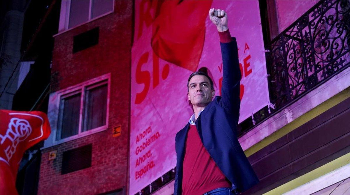 Sánchez celebra en la sede del PSOE su victoria electoral, el pasado 10 de noviembre.