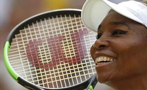 Venus Williams, feliz tras ganar a Konta y pasar a la final de Wimbledon.