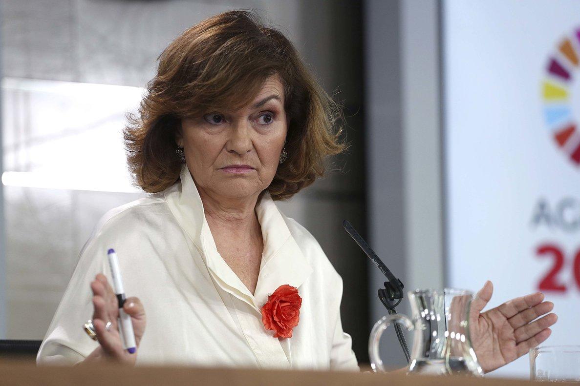 La vicepresidenta del Gobierno, Carmen Calvo, durante un Consejo de Ministros, en julio.