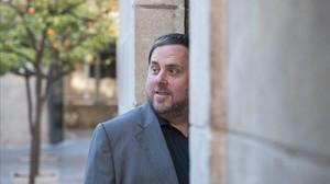 El vicepresidente y 'conseller' de Economia i Hisenda, Oriol Junqueras, en el Palau de la Generalitat.