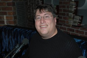 Vincent Favaletrabaja en la cadena CBS desde 1996.