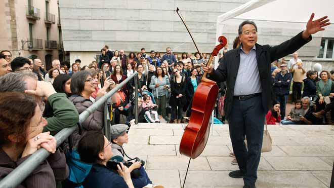 El violoncel·lista Yo-Yo Ma porta el seu art del Palau al Raval