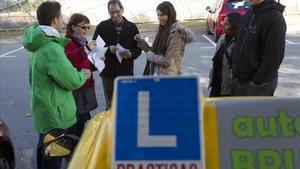 Els aspirants a conductor podran utilitzar a l'examen els sensors d'aparcament