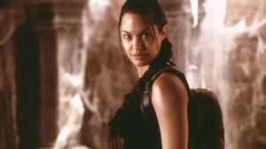 Angelina Jolie, como Lara Croft en la primera entrega de Tomb Raider.