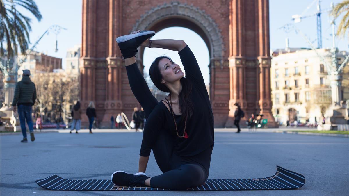 La profesora de yoga Xuan Luan.
