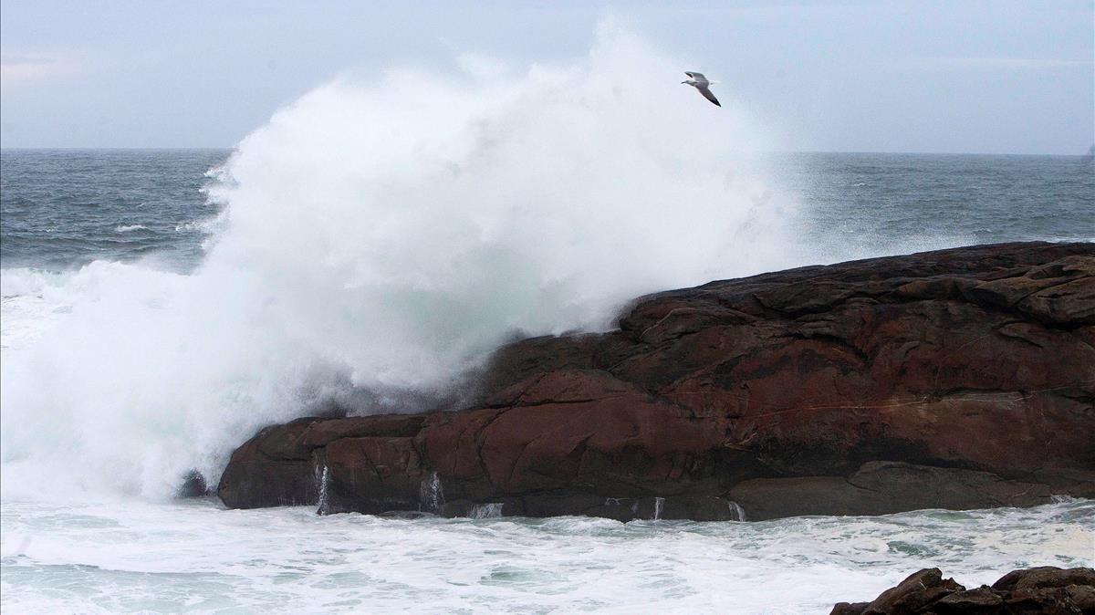 Oleaje en Cabo Silleiro.